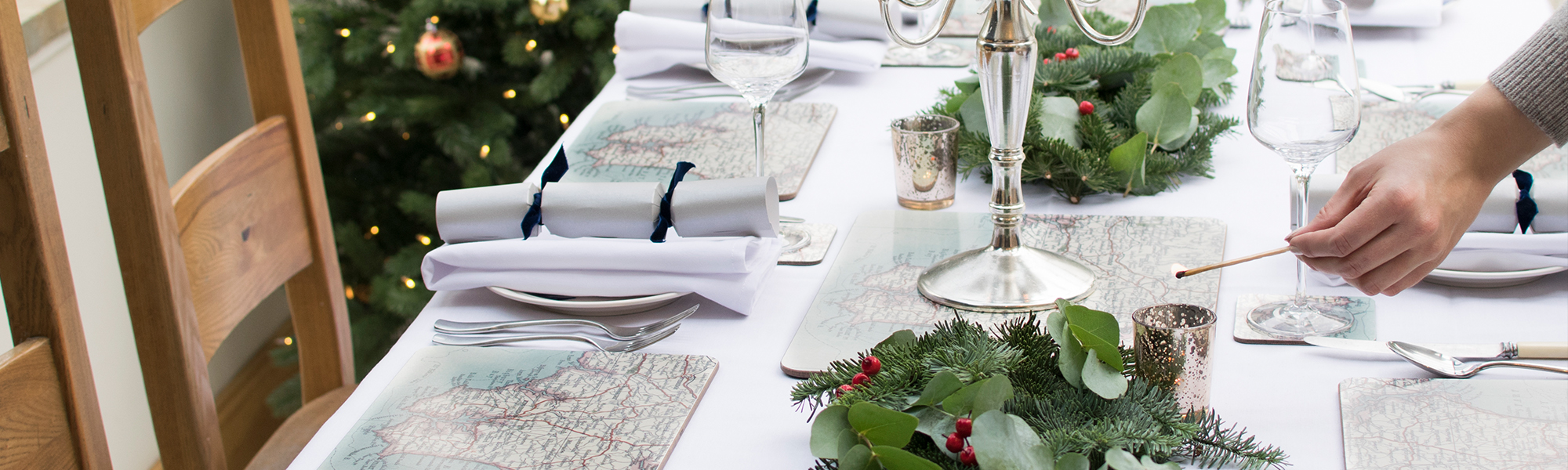 How to Style Your Christmas Table